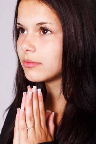 girl-praying-hands-pray-41192.jpeg